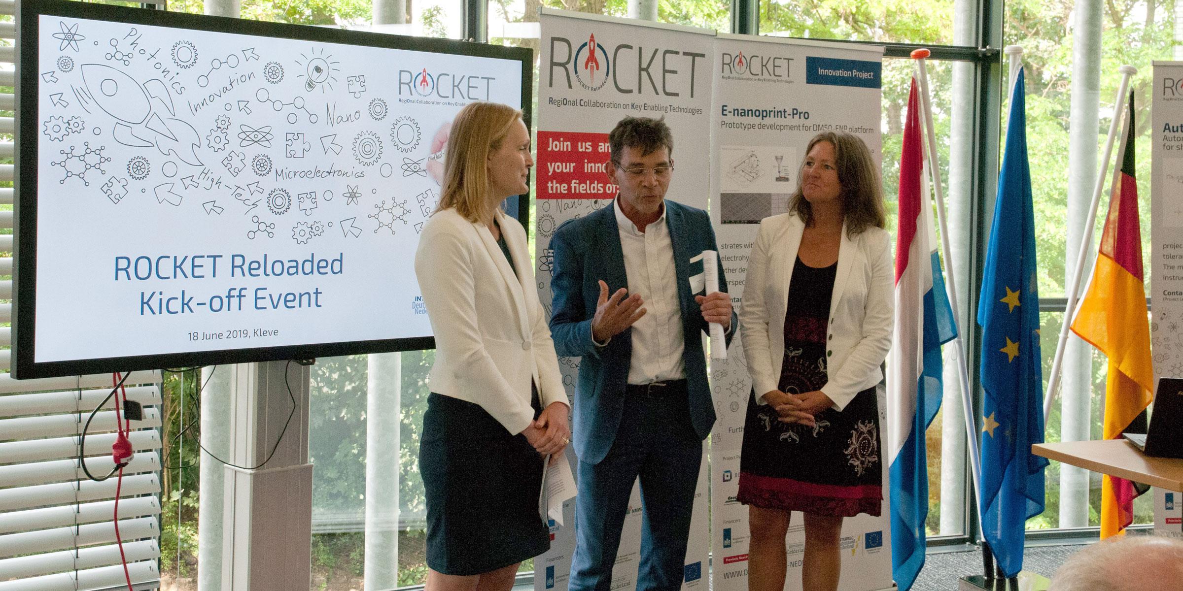 Ilka Meisel (Ministerium für Wirtschaft, Innovation, Digitalisierung und Energie des Landes Nordrhein-Westfalen) und Mirjam Visscher (Ministerie van Economische Zaken en Klimaat) im Gespräch mit Theo Föllings über die Bedeutung der deutsch- niederländischen Zusammenarbeit bei High-Tech-Themen.